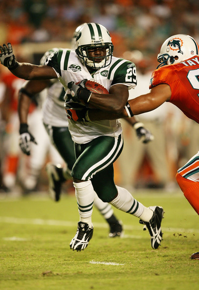 New_york_jets_v_miami_dolphins_7qwxyzdls89l_medium