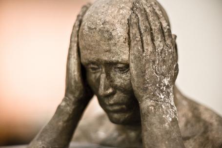 Head-in-hands-sculpture_medium