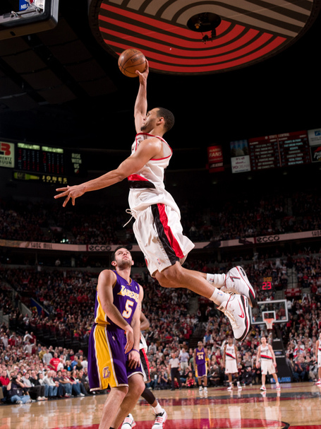 Brandon-roy-of-the-portland-trailblazers-dunks-over-the-lakers-jordan-farmar-during-the-game_medium