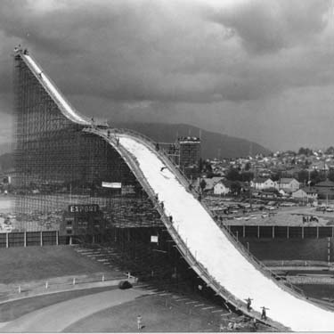 Ski-jump-empire-stadium_medium