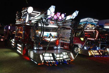 Japanese_trucks_018_medium