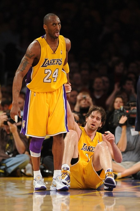36fb997647e9aa2ead1abf7cc6cbc96b-getty-90044350ng020_jazz_lakers_medium