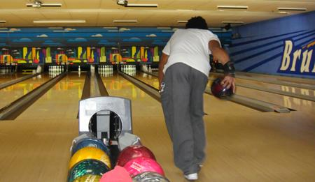 Kevin-payne-bowling-001_medium