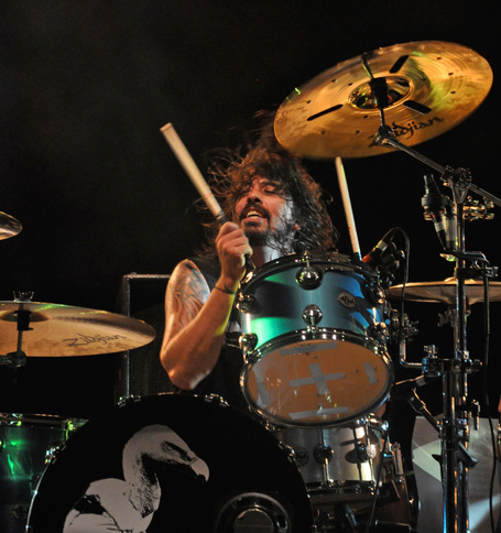 Dave-grohl_drums_medium