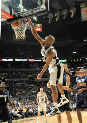 Richard_jefferson_dunks_on_dirk_nowitzki_medium