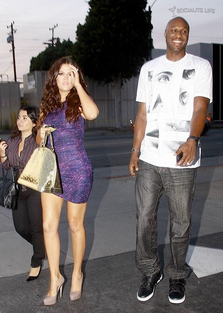 Gallery_main-khloe-kardashian-lamar-odom-reality-tv-shoot-photos-11072009-03_medium