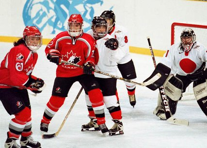 10368-0922womens-hockey15-v6_jpg_427x1200_upscale_q85_medium