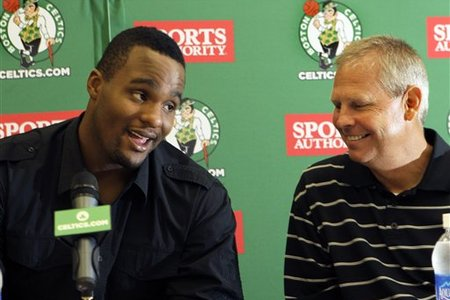 66157_celtics_davis_basketball_medium