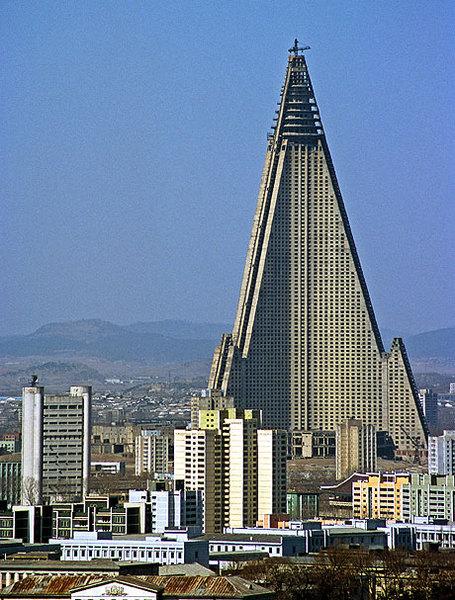 Ryugyong-hotel-lg_medium