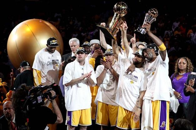 Lakers-team-2010-nba-world-champion-los-angeles-lakers-celebration