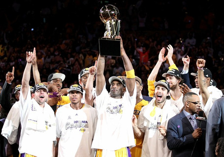 321acdcee941fe1df1ec3e9b54d4ce98-getty-99856385mc121_nba_finals_ga_medium