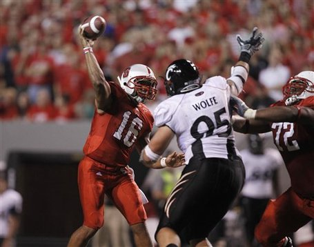 46399_cincinnati_nc_st_football_medium