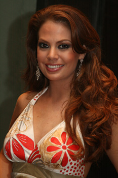 Miss_ecuador_07_valeska_saab_medium