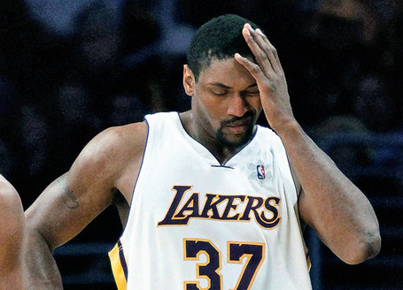 Lakers-artest-injured--baskjpg-c16fd71f33ff5be0_medium