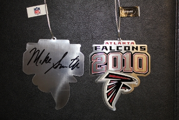 2010_falcons_ornament_350_medium
