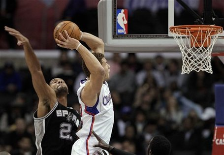 94280_spurs_clippers_basketball_medium