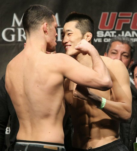 42_ufc125_weigh-in_medium