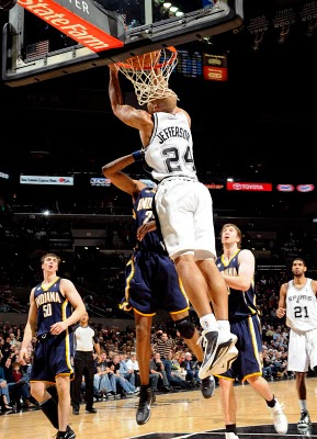 Richard_jefferson_dunks_on_brandon_rush_medium