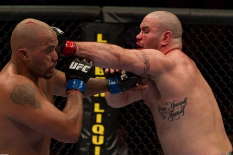 Ufc_113_joey_beltran_vs_tim_hague_2_3323x2215_medium