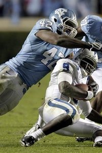 49588_ncarolina_ncaa_football_medium