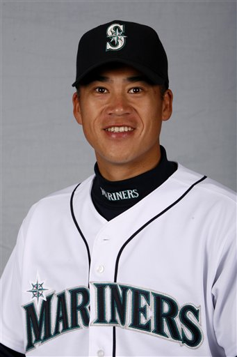 154621_mariners_johjima_baseball_medium