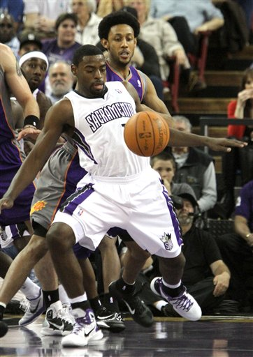 105676_suns_kings_basketball_medium