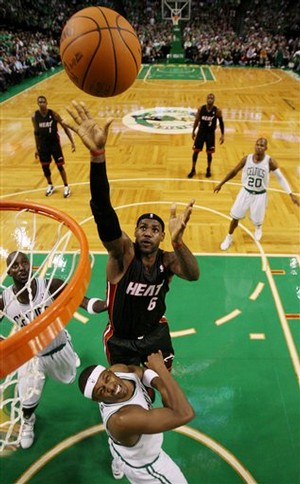 Aptopix_heat_celtics__john2_t300_medium