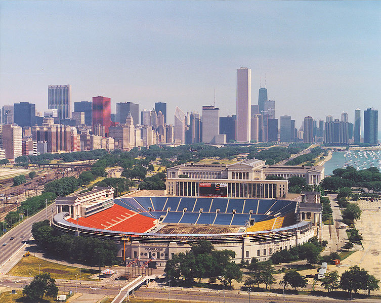 753px-Soldier_Field_Chicago_aerial_view.