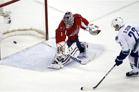 73600_canucks_capitals_hockey_medium