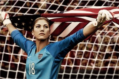 Hope_solo-american_flag_medium