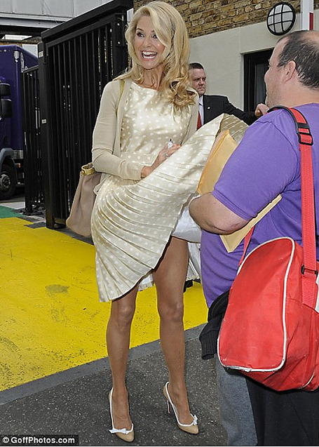 Christie-brinkley-dress-blow-up_medium