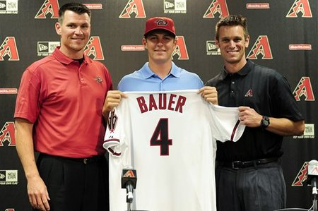 231843_diamondbacks_bauer_baseball_medium