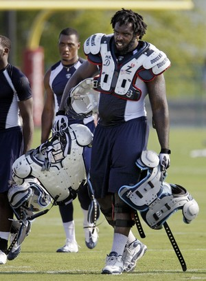 Titans_camp_football_15__t300_jpg_medium