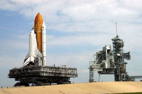 800px-sts-114_rollout_medium