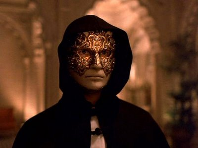 Eyes_wide_shut_4165_medium