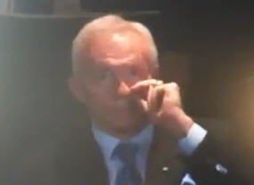 Jerry-jones-picks-his-nose_medium