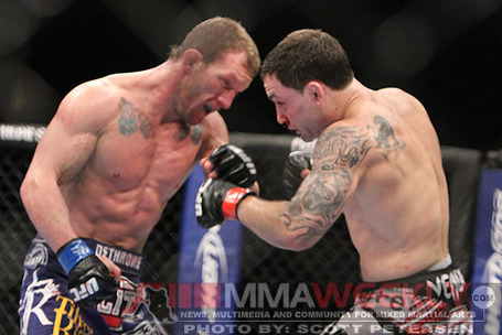 Frankie-edgar-gray-maynard-483-ufc-125_medium