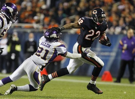 Aptopix_vikings_bears_football_93102_game_medium