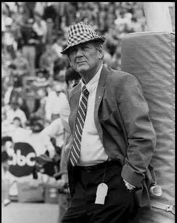 Paul_bear_bryant_medium