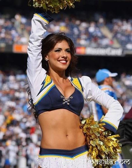 Nfl-cheerleaders-nfl-cheerleader-6_medium
