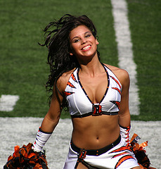 Cincinnati-bengals-cheerleader_medium