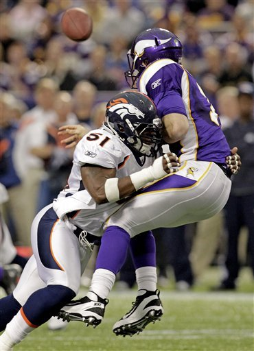 Broncos_vikings_football_96953_game_medium
