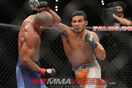 Brandao-vs-bermudez-tuf14_2866_medium