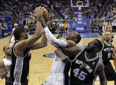 116707_spurs_magic_basketball_medium