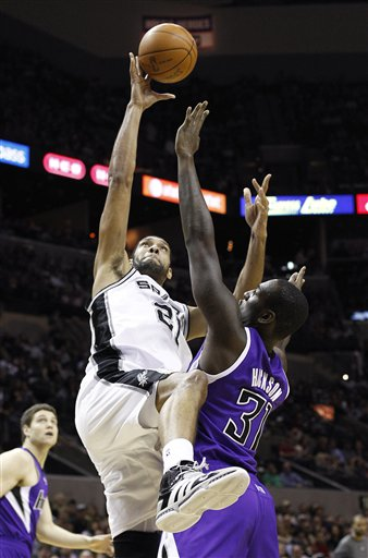 116935_kings_spurs_basketball_medium