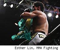 Thiago Tavares wins at UFC 142.