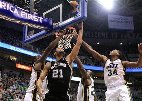 120419_spurs_jazz_basketball_medium