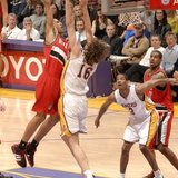 Nicolas_batum_dunks_on_pau_gasol