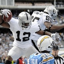 76726_raiders_chargers_football_large