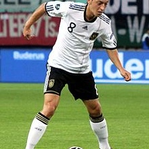 220px-mesut_Özil__germany_national_football_team__04_